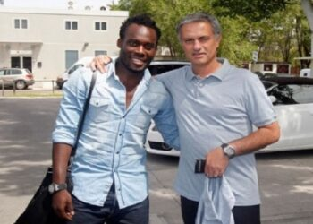 Michael Essien and former Chelsea coach Jose Mourinho